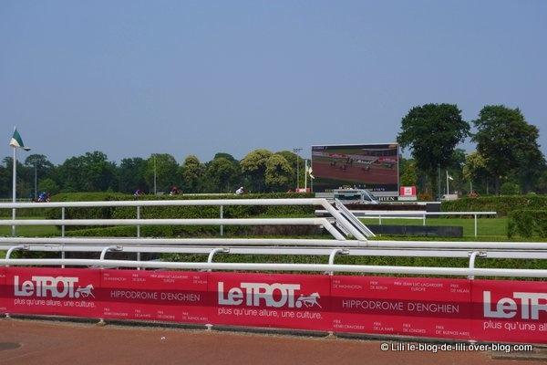 Un week-end de 14 juillet de l'hippodrome d'Enghien-les-Bains au château de Chantilly