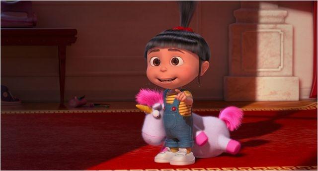 Agnès et sa pupuche licorne