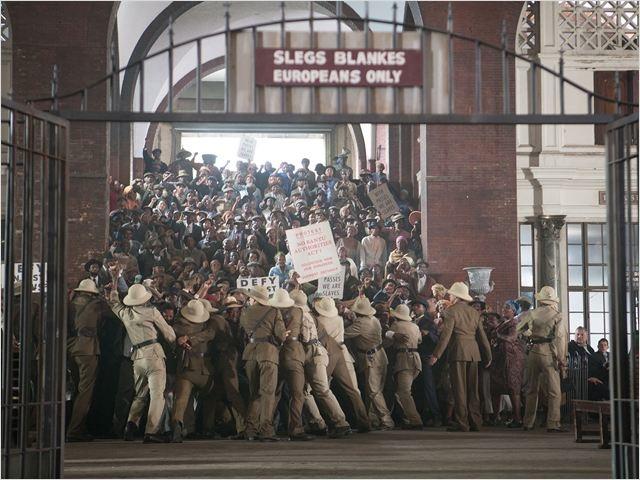 """""""Mandela : un long chemin vers la liberté"""" : un film saisissant"""