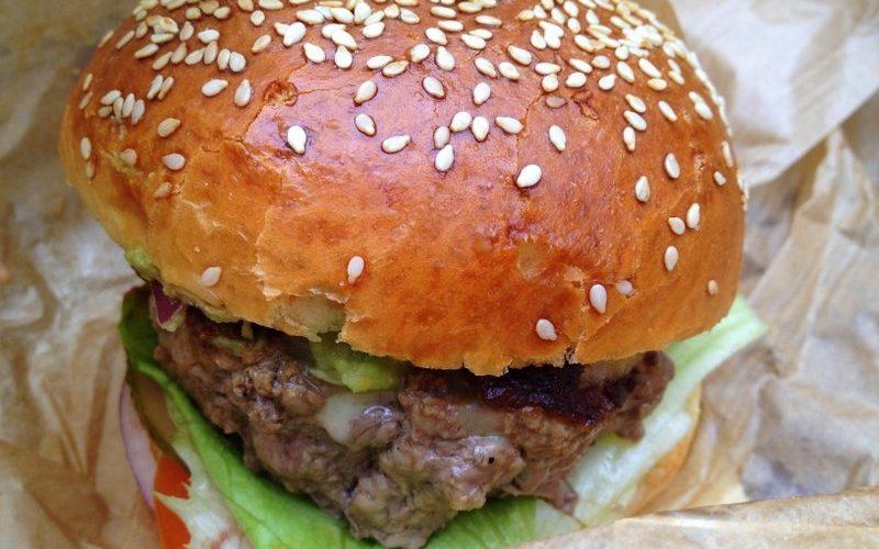 Délicieux burger signé Cantine California
