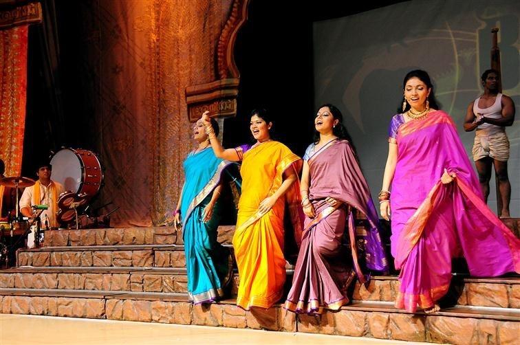 """""""Bharati : il était une fois l'Inde..."""": un spectacle grandiose et coloré"""