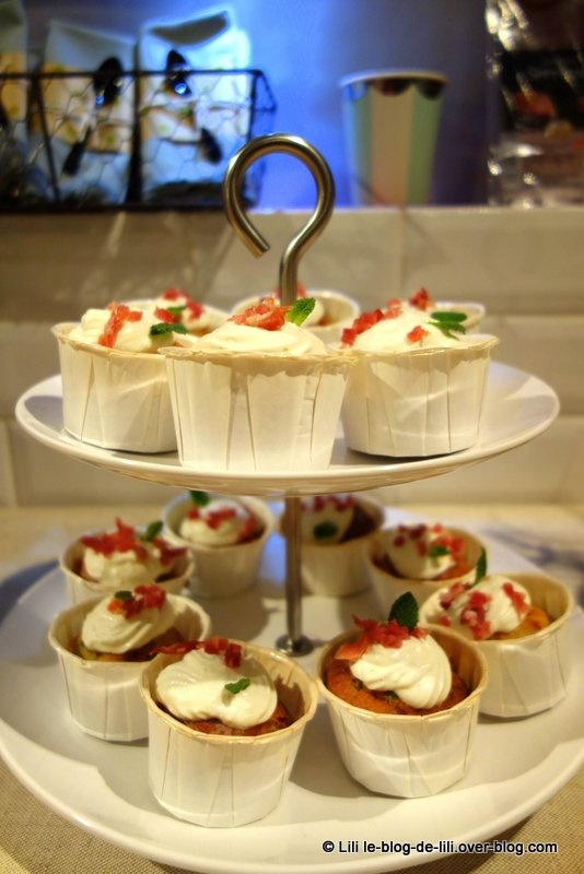 Cupcakes petits pois, asperges et menthe, toping ricotti et pépites Aoste