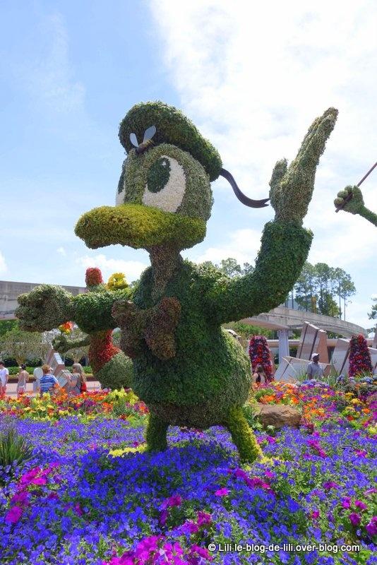 Pluto, Mickey, Minnie, Dingo, Daisy, Donald et leurs amis