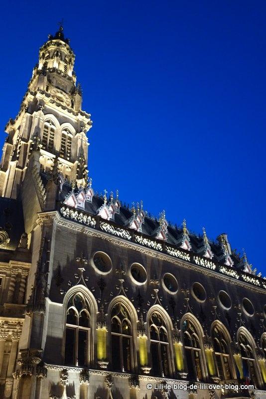 Le centre d'Arras : l'hôtel de ville et son beffroi, la place des Héros et la Grand place