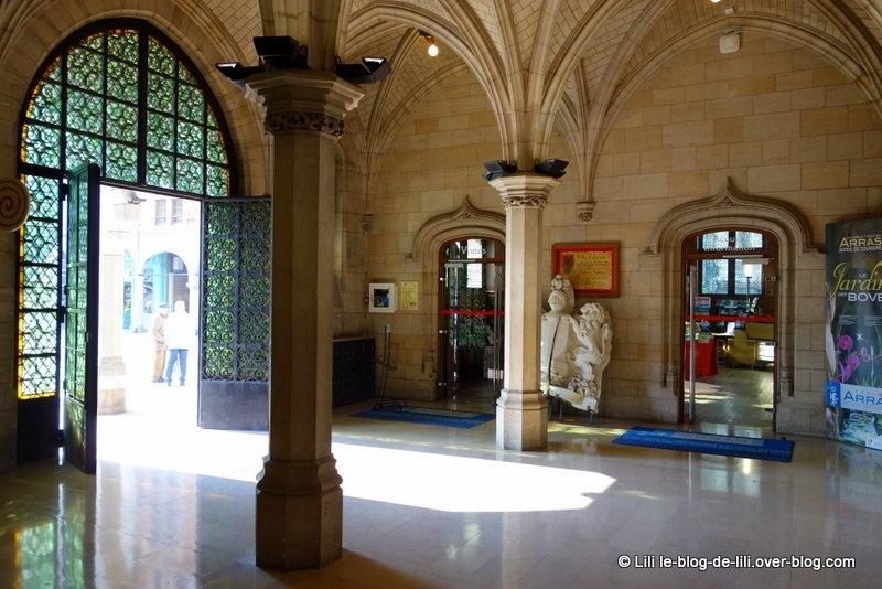 Visite de l'hôtel de ville d'Arras, du jardin des boves au beffroi