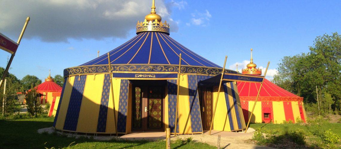 Le camp du drap d'or, un bel hébergement Renaissance au Puy du Fou