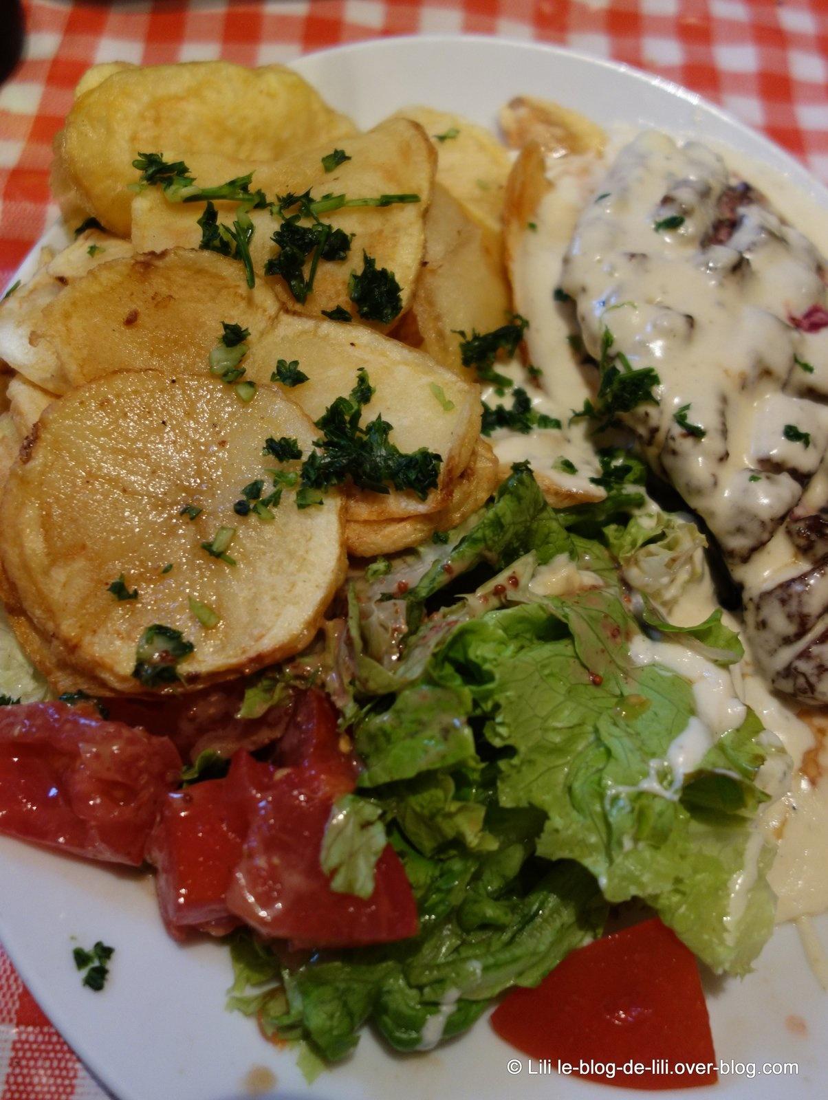 Où manger une salade à Paris : chez Gladines, à la Butte-aux-Cailles