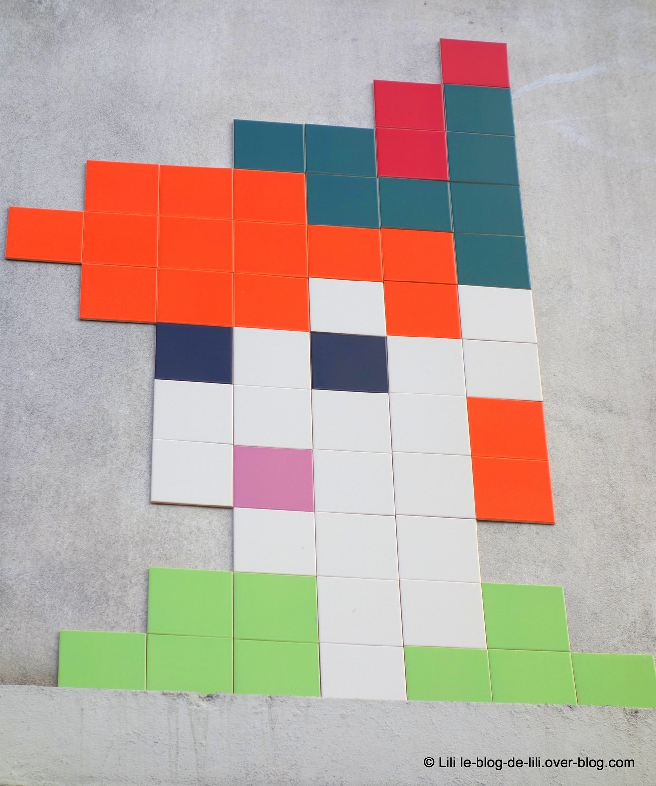 Promenades parisiennes : space invaders, street art & Cie