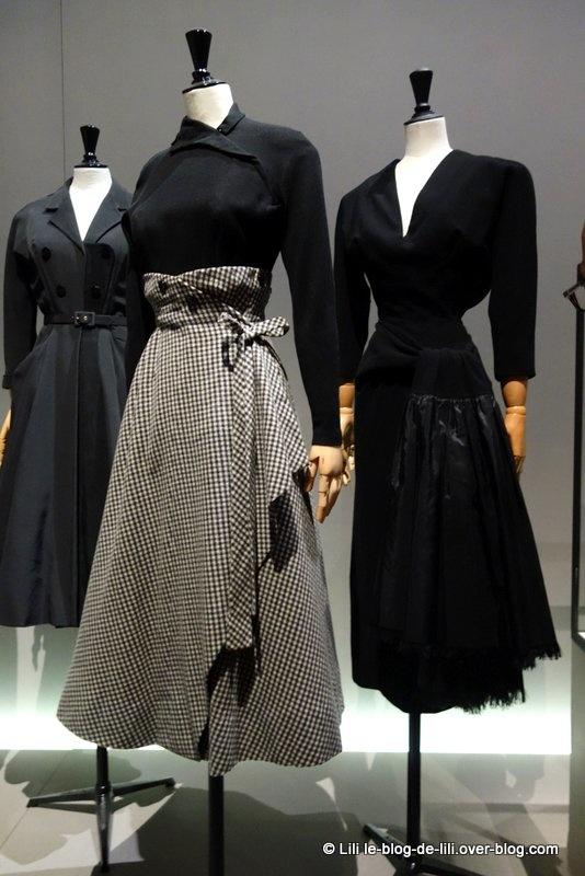 les ann es 50 la mode en france 1947 1957 au palais. Black Bedroom Furniture Sets. Home Design Ideas