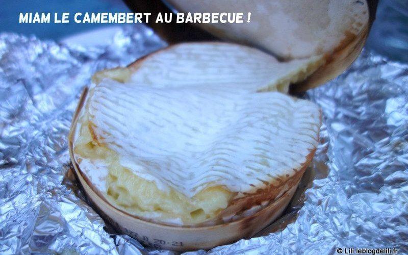 Camembert cuit sous la cendre au barbecue