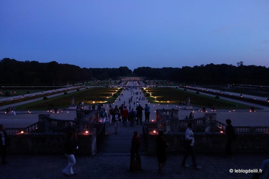 Le château de Vaux le Vicomte, de jour et de nuit, aux chandelles