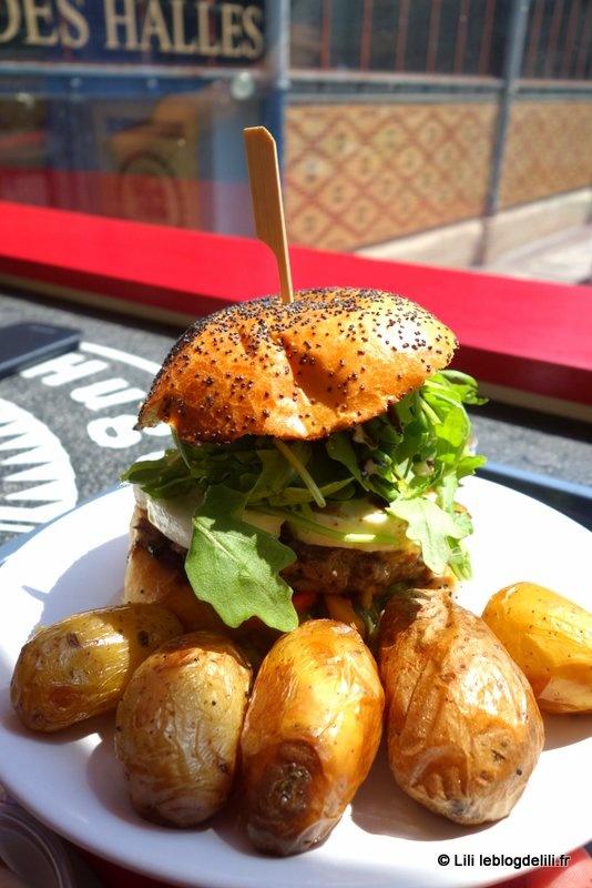 """""""Claire et Hugo"""", à Troyes : un burger dans un bus berlinois"""