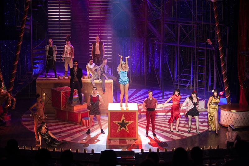 """""""Love Circus, la comédie musicale"""" : du grand spectacle aux Folies Bergère"""