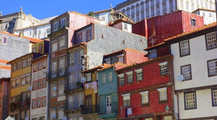 Les façades des maisons portugaises de Porto