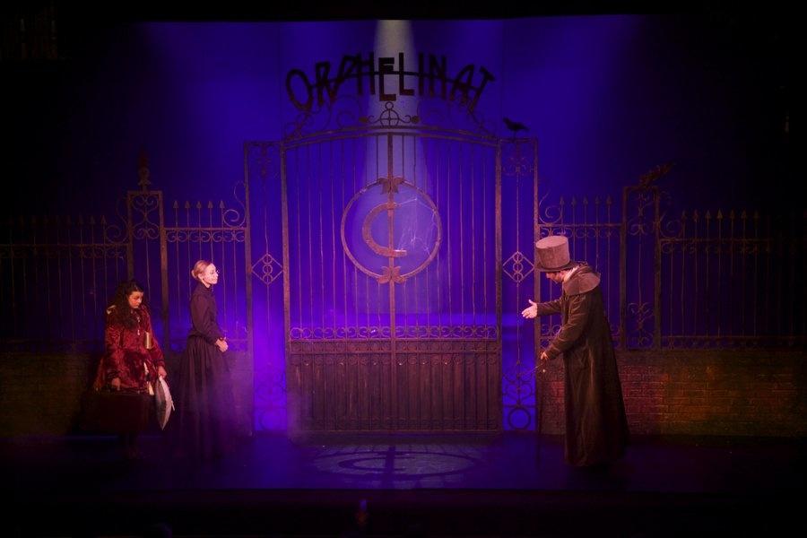 """La comédie musicale """"La petite fille aux allumettes"""" au théâtre du Palais Royal"""