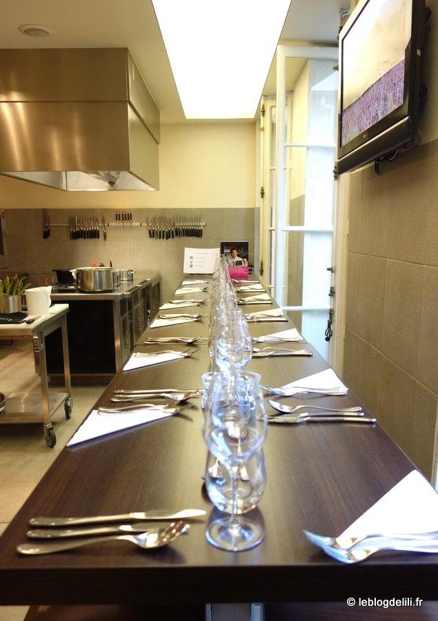 Un cours de cuisine à l'atelier Guy Martin autour des recettes du grand Véfour