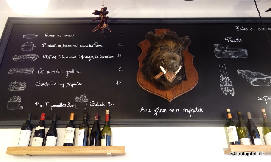 Le Pas Sage bar à vin réunit les gourmands à sa table