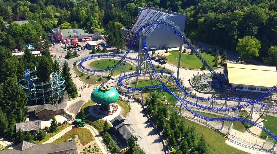 Le parc d'attractions aubois Nigloland vu du dessus