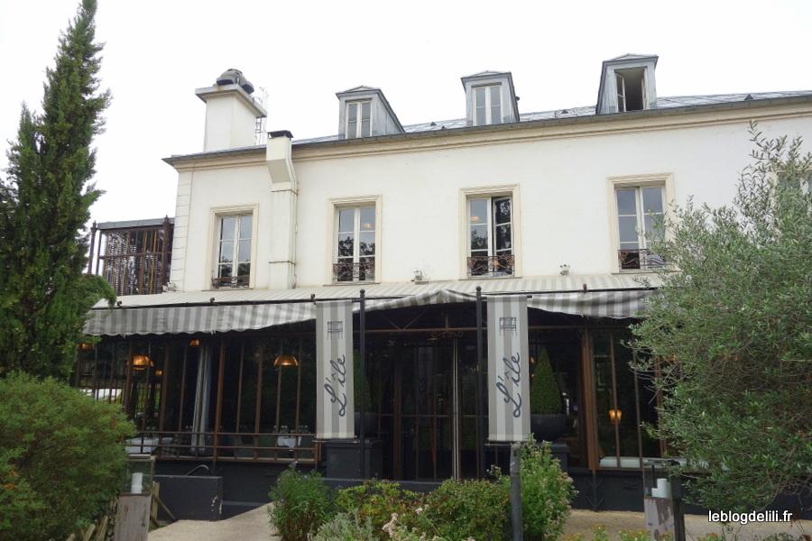 Un déjeuner au restaurant l'Île, à Issy-les-Moulineaux