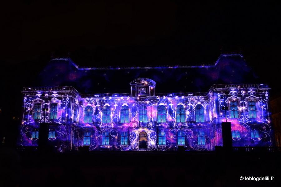 Lumières : le spectacle nocturne sur la place du Parlement de Bretagne, à Rennes