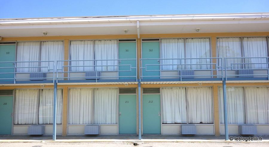 Le musée des droits civiques, à Memphis : devant le motel où Martin Luther King a été assassiné