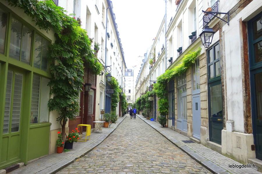 Cour Damoye (Paris 11e), une petite rue hors du temps