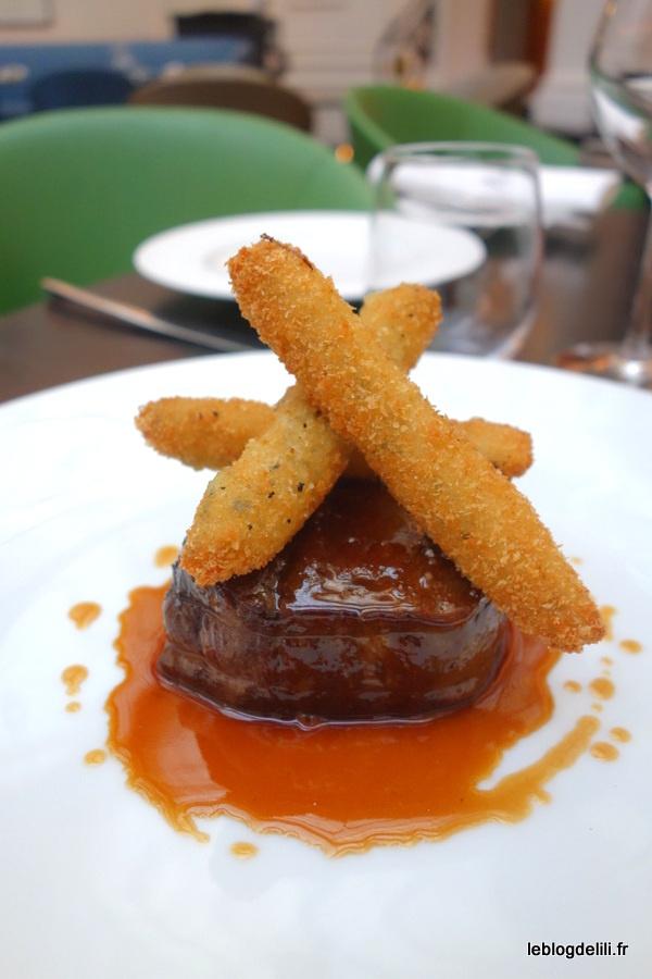 Un déjeuner parisien au restaurant de l'hôtel Vernet, Le V