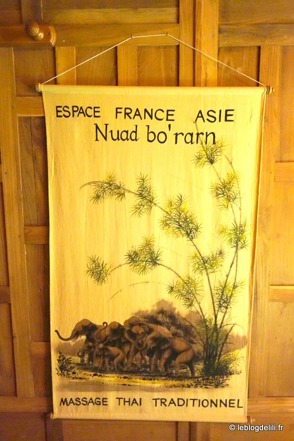Un massage thaï traditionnel à l'Espace France-Asie, à Paris