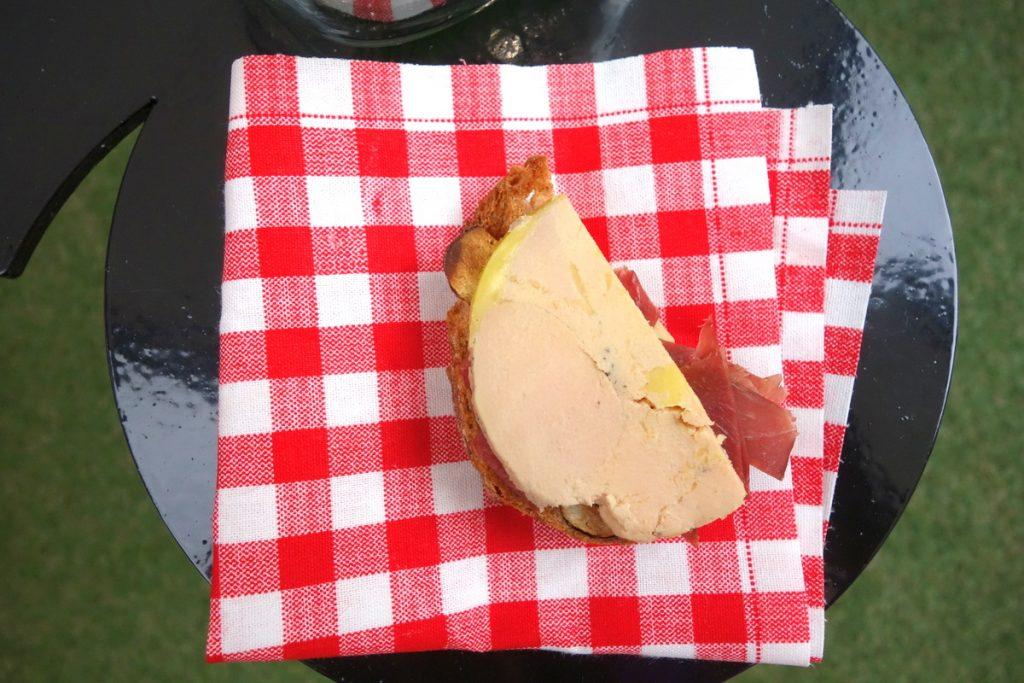 Guinguette chic au Relais & châteaux Saint James Paris : le foie gras