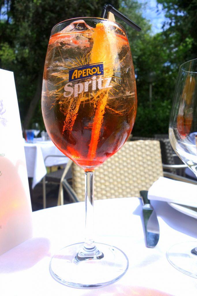 Un Spritz en apéritif au café La Jatte