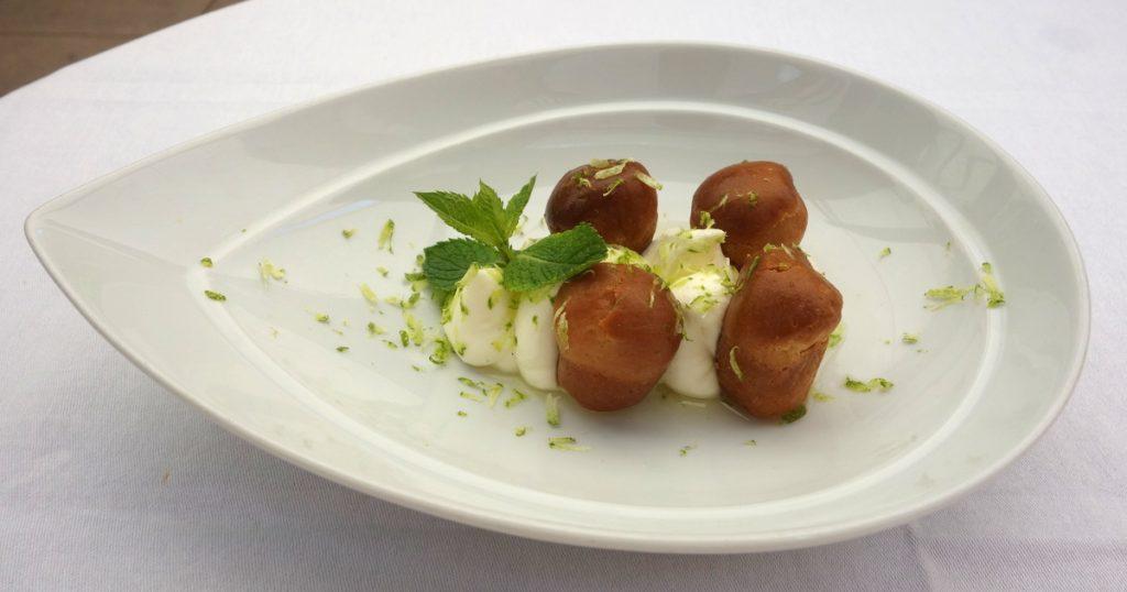 Petits babas au limoncello, crème légère mascarpone