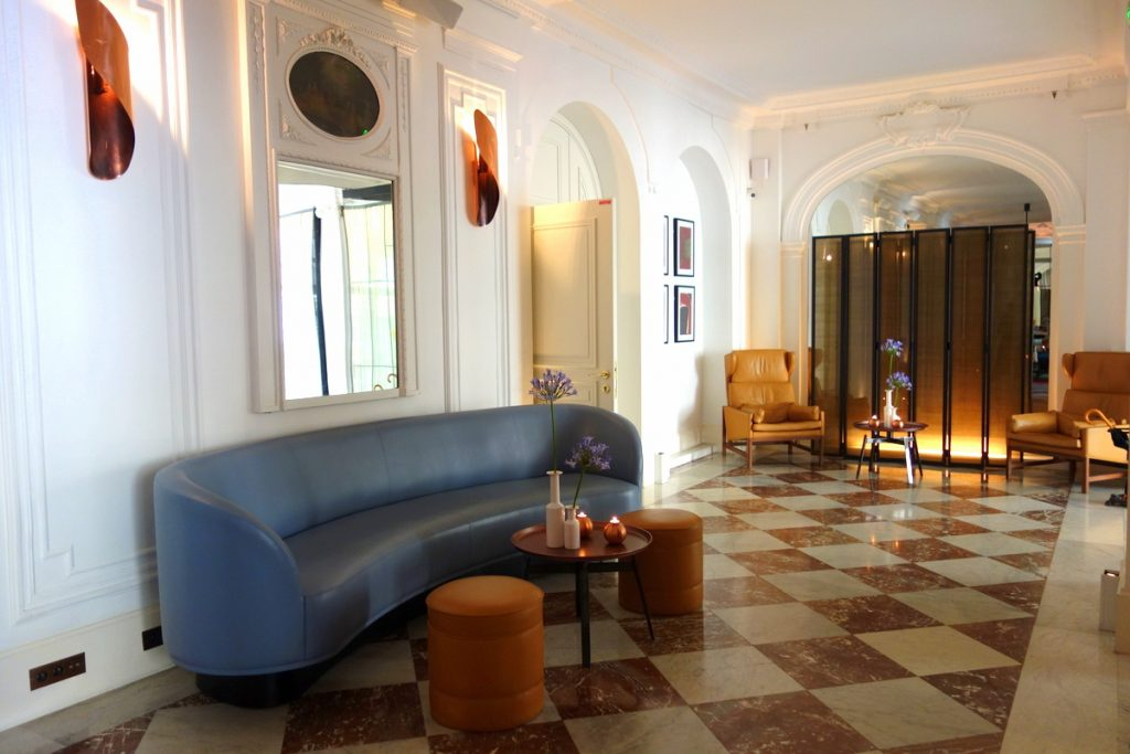 Le lobby de l'hôtel Vernet