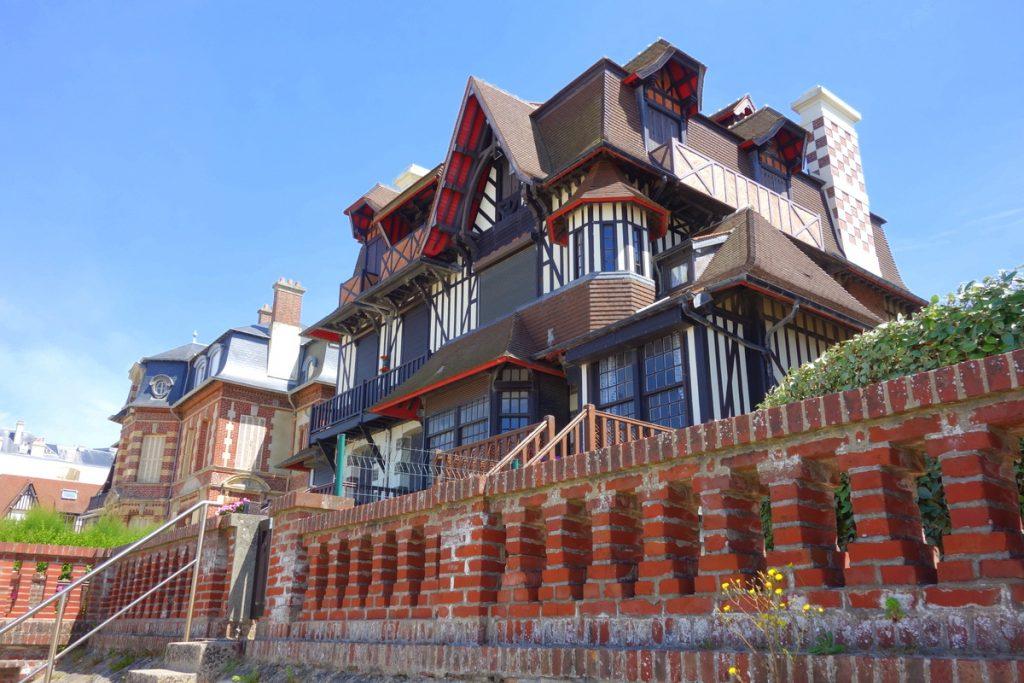 Les incroyables demeures sur la plage d'Houlgate