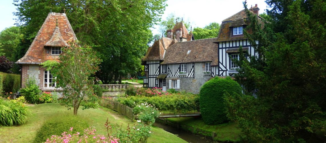 Un petit paradis de verdure autour d'une demeure normande à Houlgate