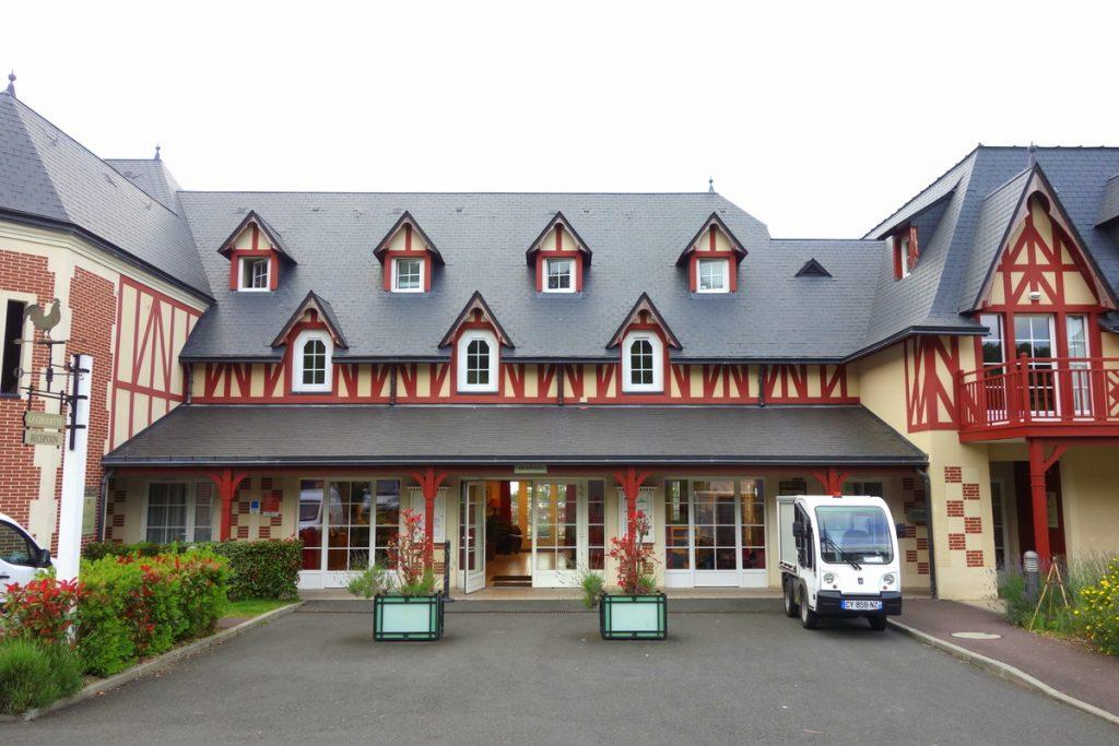 Bienvenue à la réception de la résidence premium Pierre & vacances à Houlgate