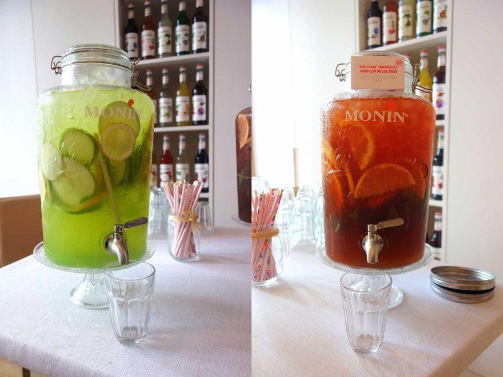 Deux boissons réalisées à partir de produits Monin : une avec et l'autre sans alcool