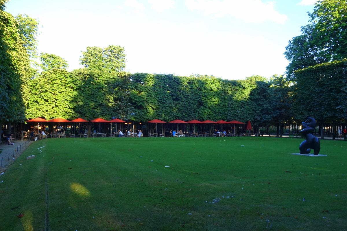 Un dîner au Café des marronniers, au jardin des Tuileries - Le blog ...