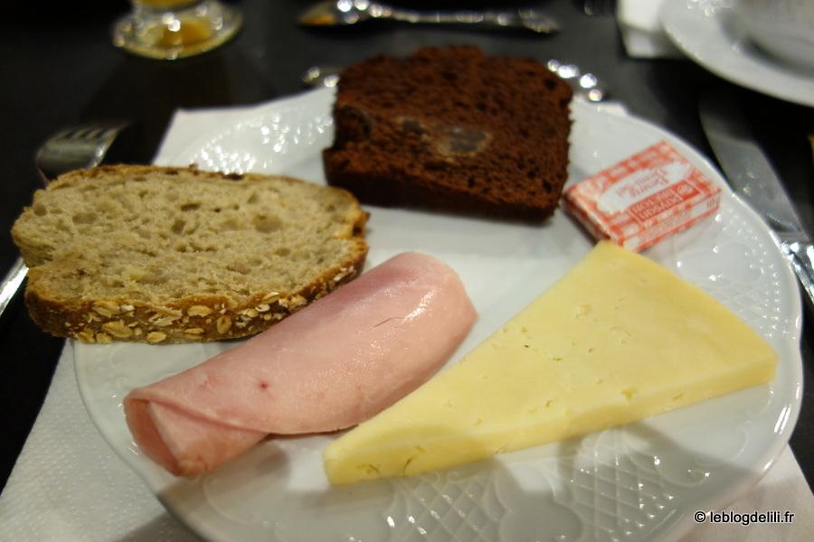 Le petit-déjeuner de l'hôtel de Nemours à Rennes