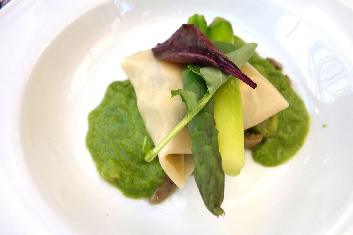 Ravioli aux pleurotes et asperges vertes