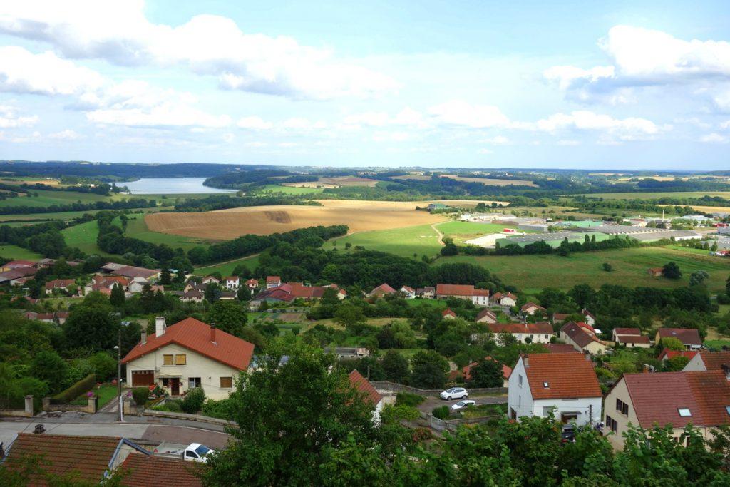 Vue sur les alentours de Langres depuis les remparts