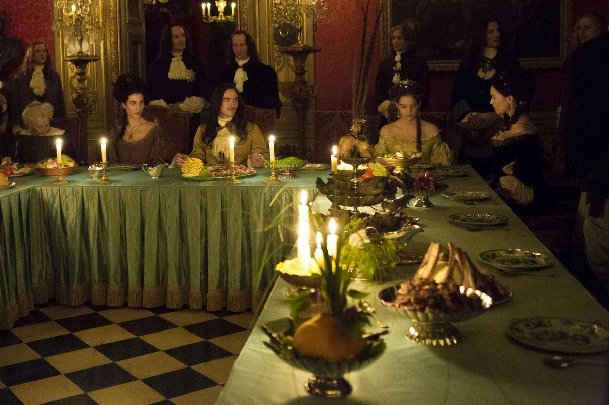 Versailles, la série, saison 1 : Louis XIV et le banquet