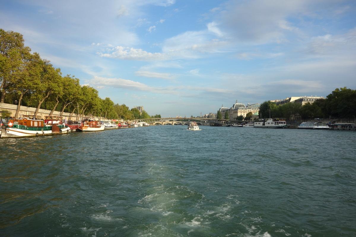 La Seine à Paris depuis un bateau Green river cruises