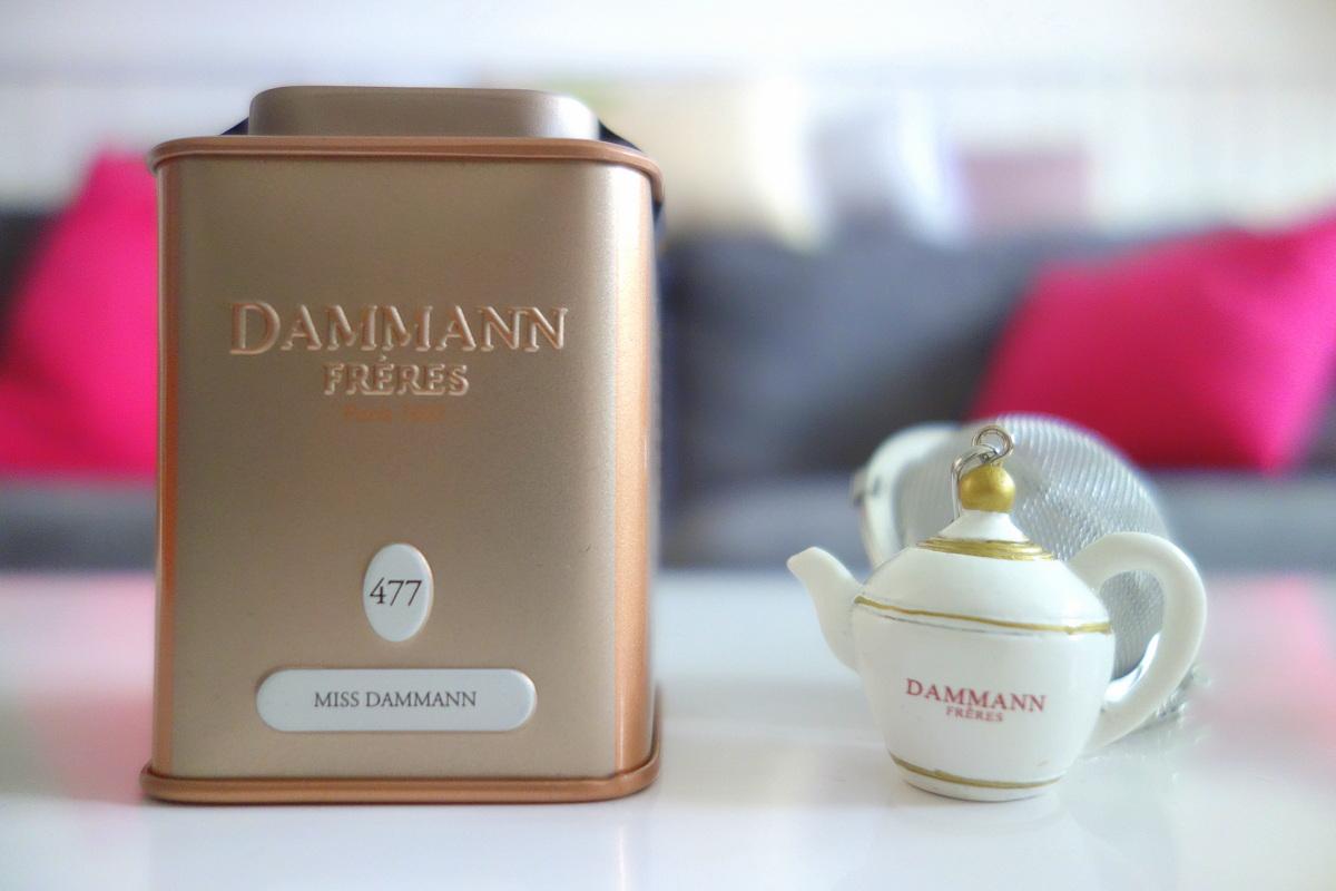 Les thés Dammann : petite boîte et infuseur