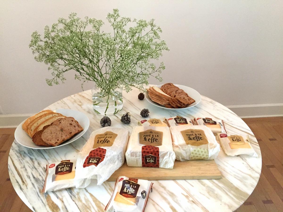 Déjeuner dans un Airbnb à Bruxelles avec le pavé Leffe