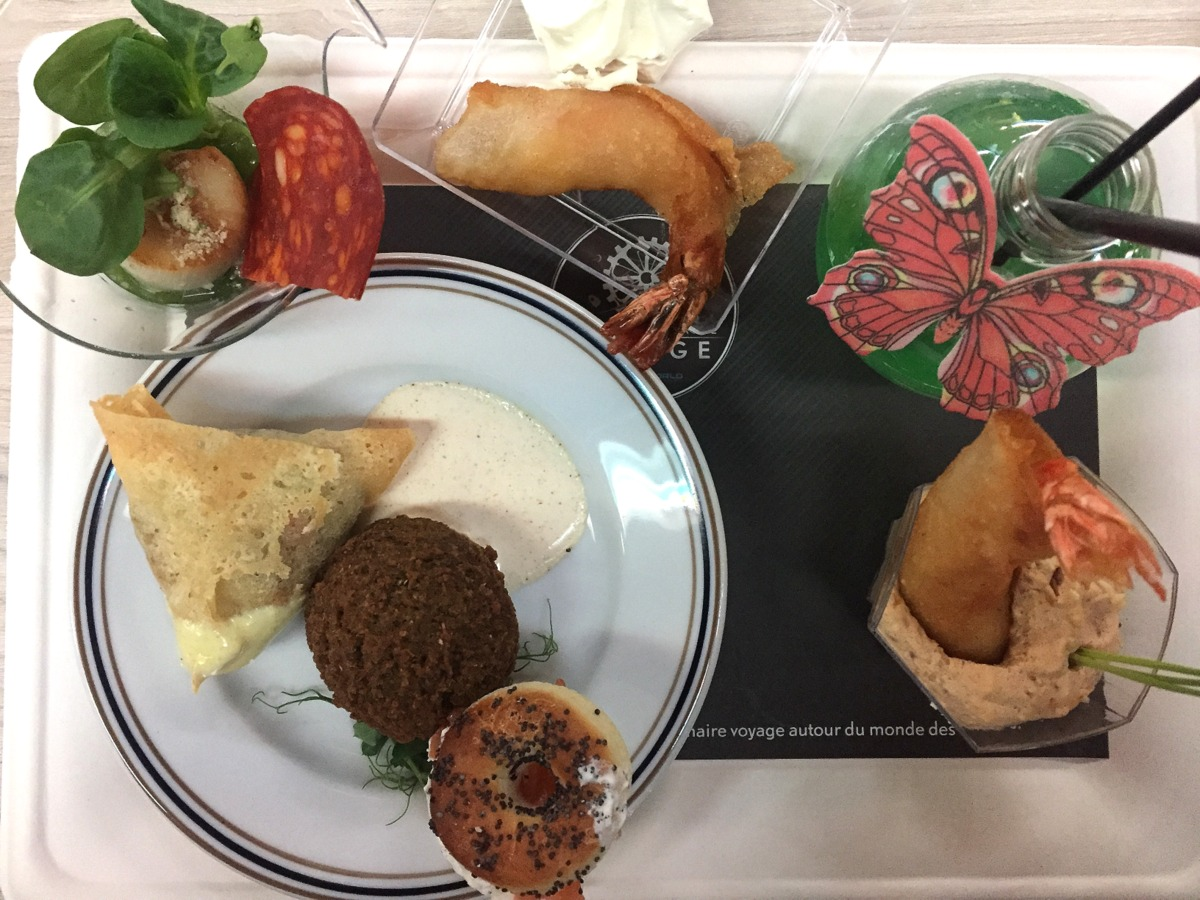 Futuroscope : buffet déjeunatoire à la table d'Arthur - Le blog de Lili