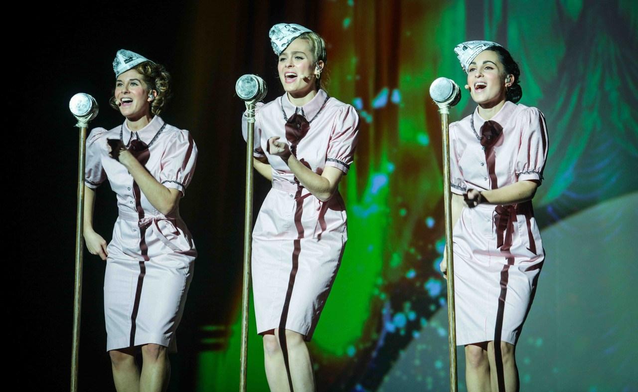 Un été 44, la comédie musicale : les rochambelles