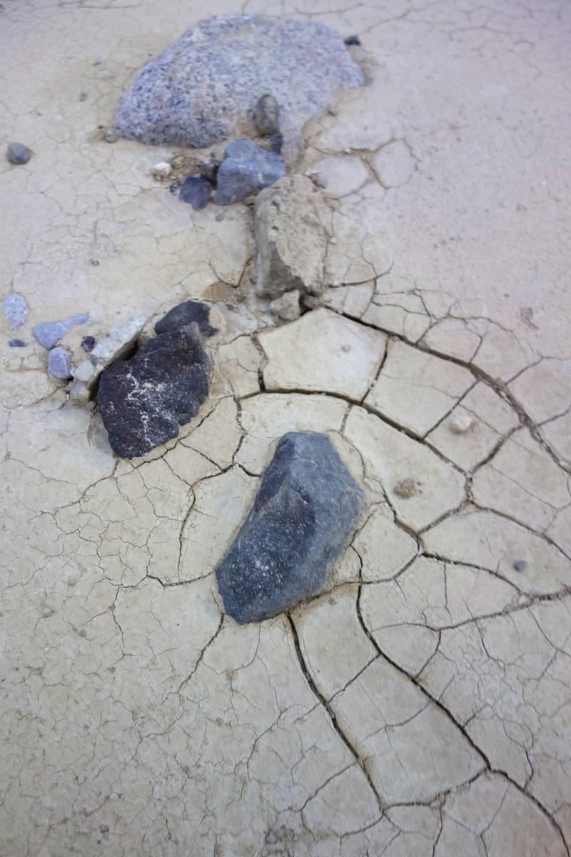 Le sol craquelé de la Vallée de la mort - Le blog de Lili