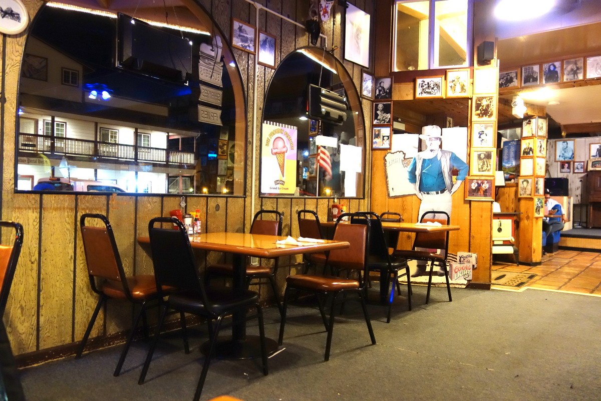 Lone Pine, Californie, le Mont Whitney Restaurant