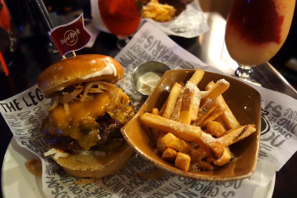 Hard Rock Cafe Paris - World burger tour Memphis