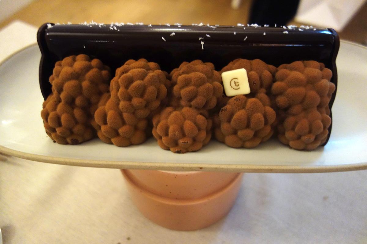 Thiriet Noël 2017 - Bûche pommes de pin au chocolat